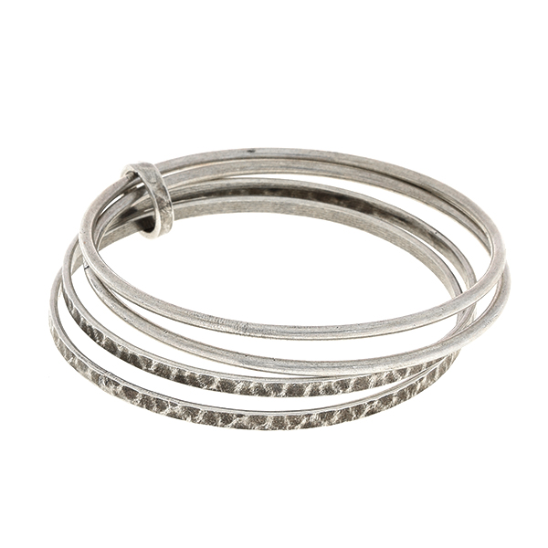 Four plain hoops connected bracelet