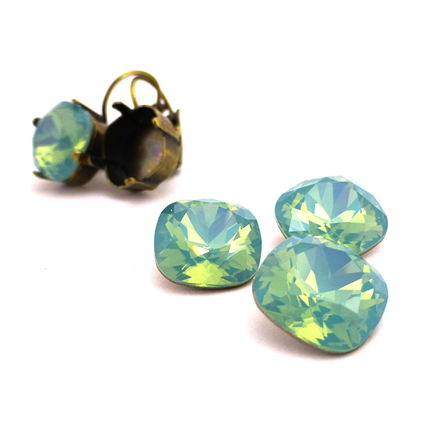 Pacific Opal color Swarovski 4470 12-12mm