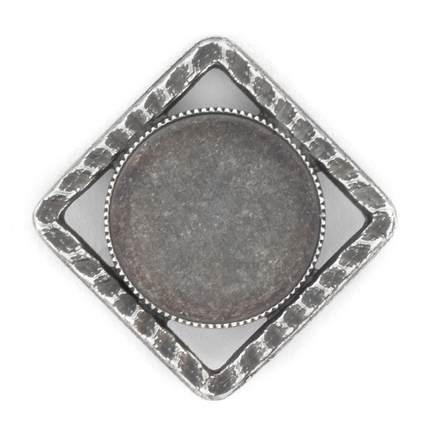 16mm Rivoli Flat back setting in Hollow Square Pendant