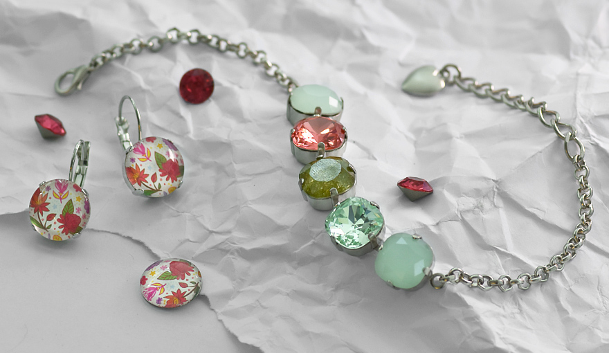 Spring flowers jewelry set inspiration